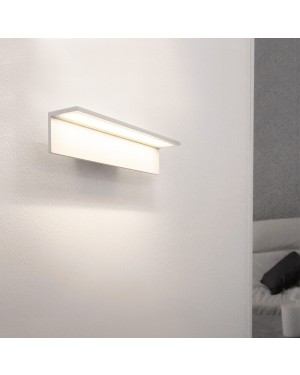 Indoor LED wall light fixture — BLADE 300, water resistant IP54, matte white 4,2W